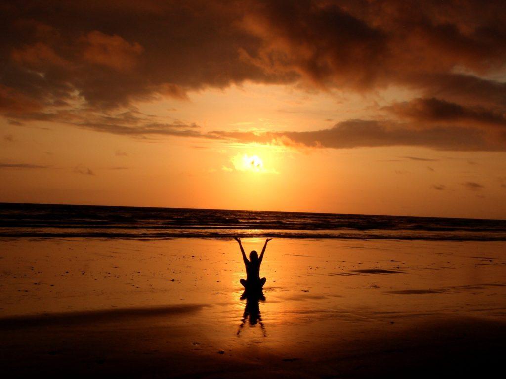 backlit-balance-beach